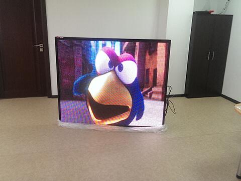 Небольшой витринный видео экран 1.2х1.6 метра