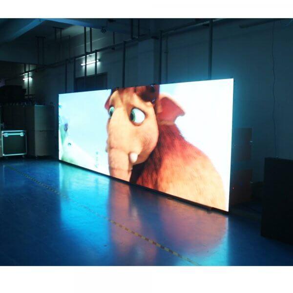 Уличный светодиодный экран с поддержкой видео 2х4 метра
